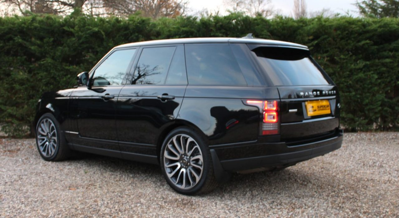 Range Rover SE side rear